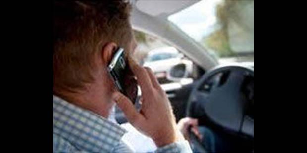 Conduire sans ceinture coûtera 60 euros de plus - La DH
