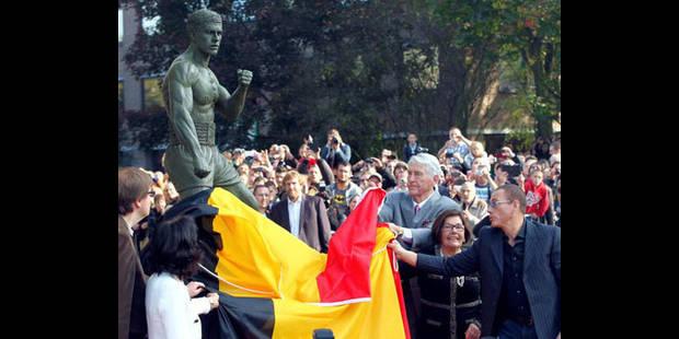 Ambiance hollywoodienne pour l'inauguration d'une statue de JCVD - La DH