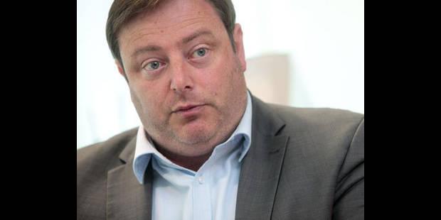 De Wever taclé au Parlement flamand, CD&V et sp.a applaudissent - La DH