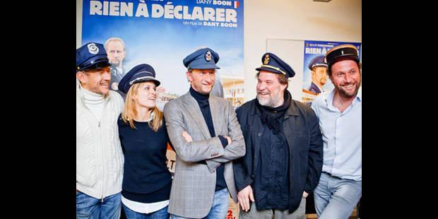 """Déjà 211.000 entrées en Belgique pour le film """"Rien à déclarer"""" - La DH"""