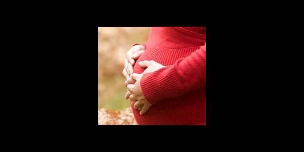 La moitié des adolescentes enceintes avortent - La DH
