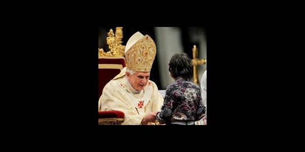 La femme qui a agressé le pape a ses fans sur Facebook - La DH