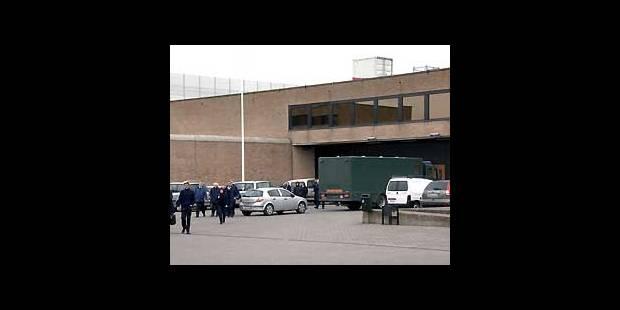 Trois détenus s'évadent de la prison de Bruges avec un hélicoptère - La DH
