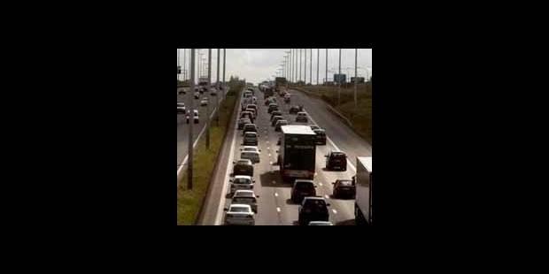 Accident E40: l'autoroute rouverte dans les deux sens - La DH