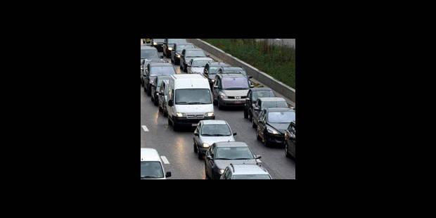 Accident à Erembodegem: la circulation fermée vers la côte - La DH