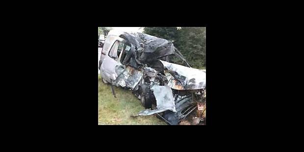 Trois Louviérois brûlés vifs dans leur voiture près d'Anvers - La DH