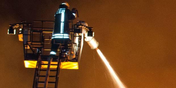 Un incendie ravage un centre de bronzage à Verviers - La DH