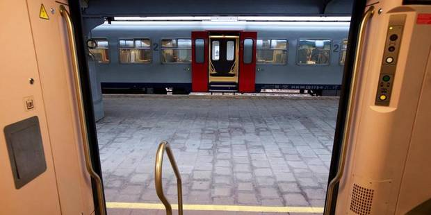 Collision entre un train et un camion à Schaerbeek: 3 trains supprimés - La DH