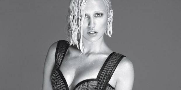 Miley Cyrus méconnaissable pour W Magazine - La DH