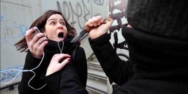 Une jeune femme lardée de coups de couteaux à Athus - La DH