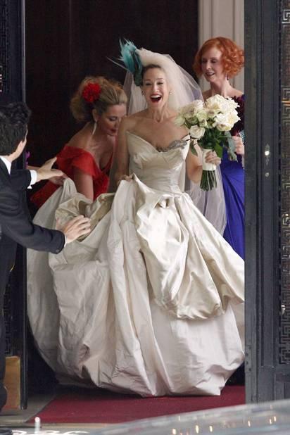 Sarah Jessica Parker, alias Carrie Bradshaw, en Vivienne Westwood dans Sex In The City: The Movie