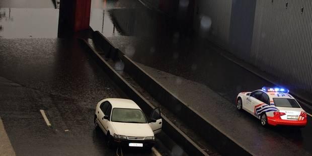 Trois voitures noyées dans la trémie - La DH