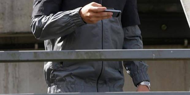 Anderlecht : braqué pour son smartphone dans un parc - La DH