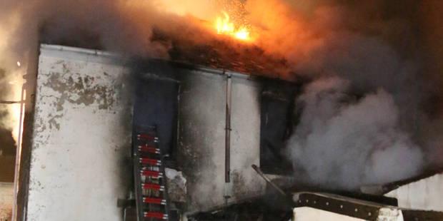 Brye: une famille sauvée des flammes par un policier - La DH