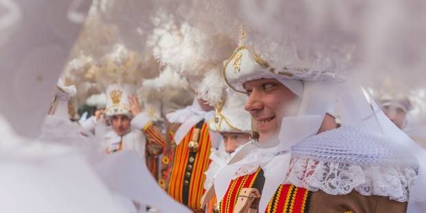Plus de 100.000 personnes au week-end du Carnaval de Binche - La DH