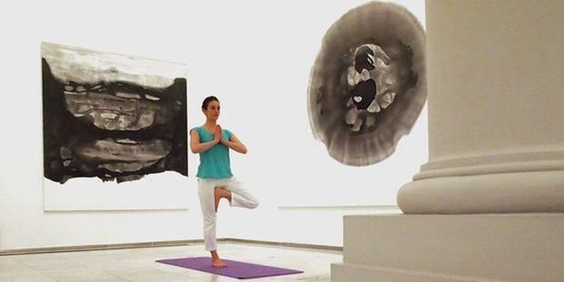 Des séances de yoga au musée - La DH