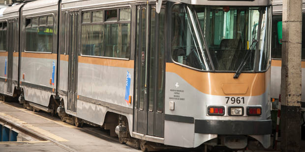 Bruxelles: accident entre un tram 4 et un camion - La DH