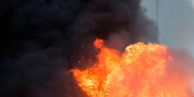 Un violent incendie a fortement endommagé une discothèque à Soignies - La DH
