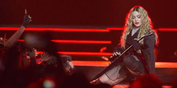 """Madonna en concert improvisé dans les rues de Paris: """"Nous ne céderons pas à la peur!"""" - La DH"""