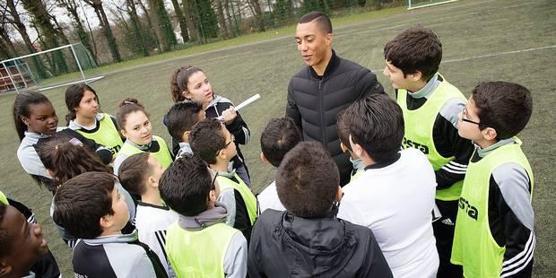 """Youri Tielemans en visite à Molenbeek: """"On espère tous devenir footballeur !"""" - La DH"""