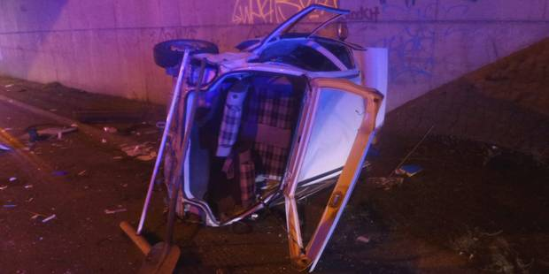 Un mort et deux personnes grièvement blessées sur la RN90 à Farciennes - La DH