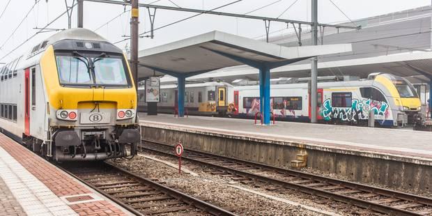 Le train en panne entre Gand et Bruxelles est reparti vers Gand - La DH