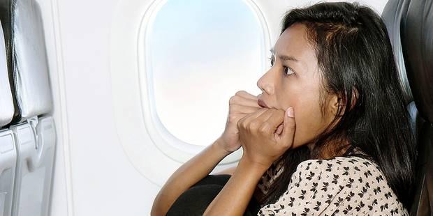 Vaincre sa phobie de l'avion grâce à un simulateur - La DH