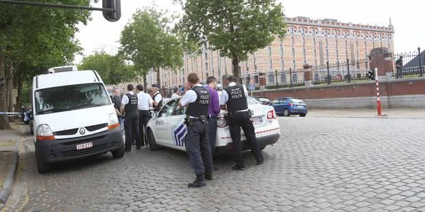 La Louvière : ils se bagarrent et tirent une dizaine de coups de feu en pleine rue - La DH