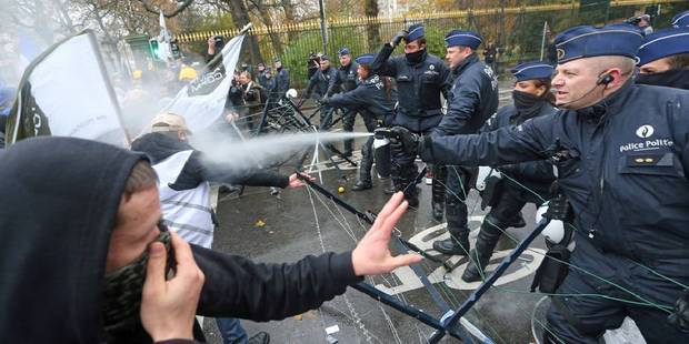 Trafic ralenti, incidents: les militaires manifestent à Bruxelles (PHOTOS et VIDEO) - La DH