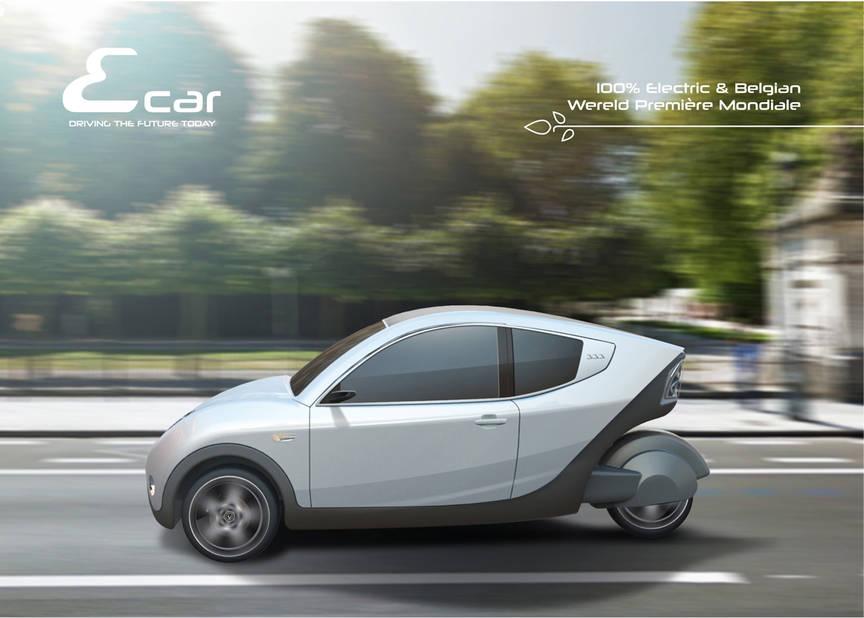 Ecar   Notre compatriote, génial inventeur, Xavier Van der Stappen revient au salon avec l'ambition de vendre les 50 premiers exemplaires de son Ecar 333 électriques à 3 roues. Il recherche toujours un financier pour pouvoir entamer la production à grande échelle. Il existe 4 versions de son engin futuriste, destiné surtout, pour le moment, aux collectivités à la recherche d'un véhicule sympa, vert et pratique.