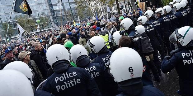 Le centre-ville bruxellois submergé par les manifestations en 2016 - La DH