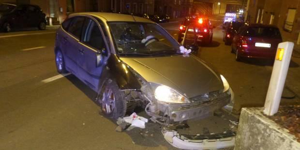 Gilly : Une voiture s'encastre dans un bac de fleurs - La DH