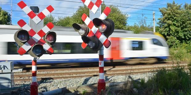 Collision entre un train et un camion entre Ottignies et Louvain - La DH