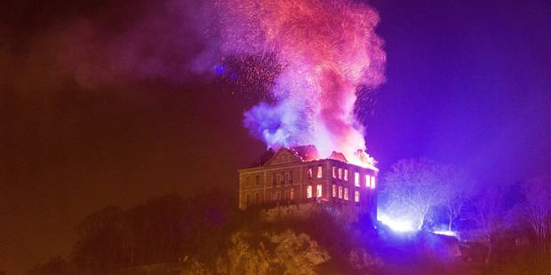 Flémalle : une partie château de Chokier ravagé par un incendie, découvrez les dégâts (VIDÉOS & Photos) - La DH