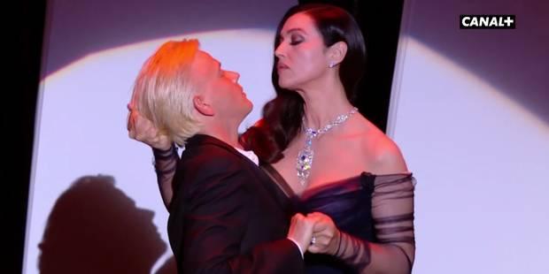 Cannes 2017: Un baiser sulfureux entre Monica Bellucci et Alex Lutz (VIDEO) - La DH
