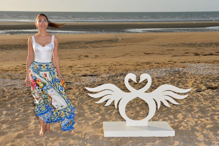 Le symbole du festival, avec Caterina Murino