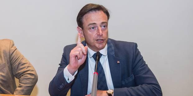 Bart De Wever n'exclut pas une limite des revenus, mais tient au cumul des mandats - La DH