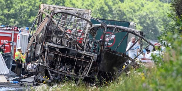 Accident de car en Allemagne: onze corps déjà retrouvés - La DH