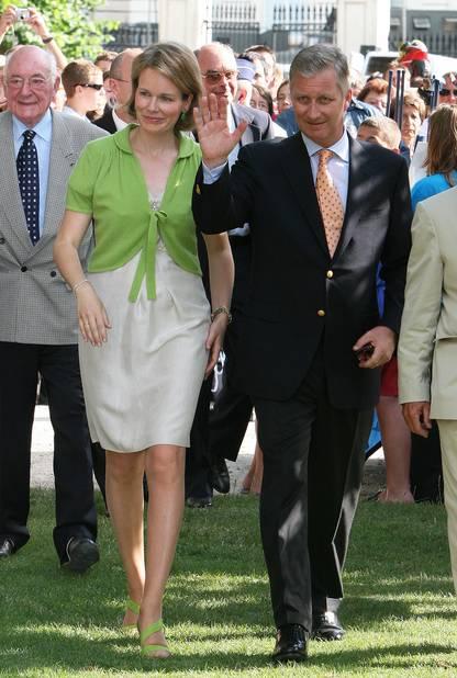 2009. Balade au parc et tenue quasi casual pour la princesse.