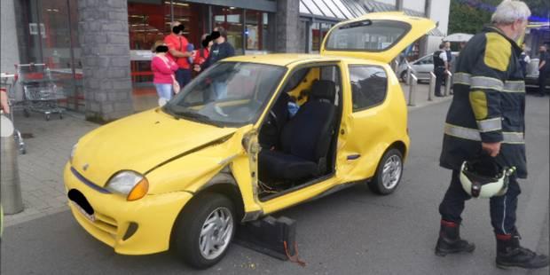 Accident sur le parking du Carrefour de Mont-sur-Marchienne - La DH