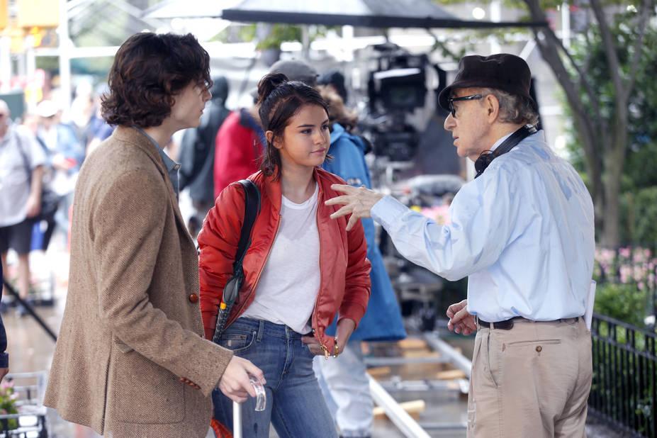 Sur le tournage de son prochain film avec Selena Gomez notamment.