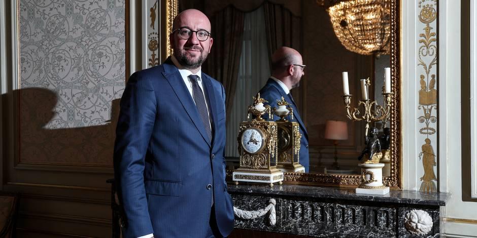 Des milliers de manifestants réclament la démission d'un ministre belge — Soudanais expulsés