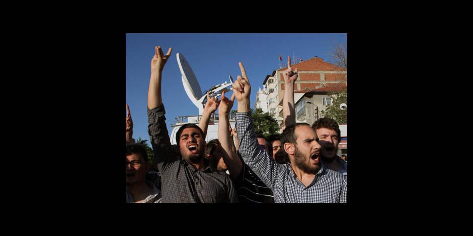 """Turquie: des islamistes s'attaquent à des jeunes au nom de """"codes moraux"""""""
