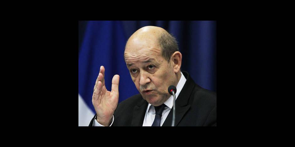 """Militaire poignardé à Paris: agression pour """"tuer un militaire"""", selon la Défense"""