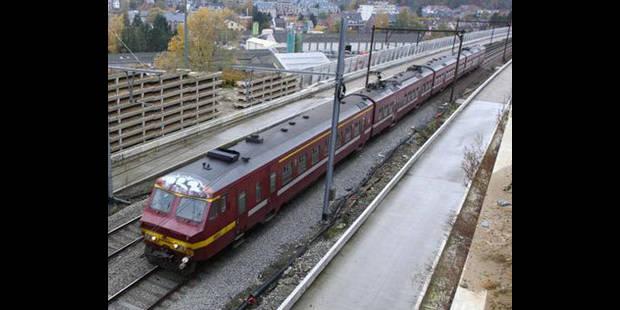 Retards entre Bruxelles-Nord et Midi à cause d'un train en panne - La DH