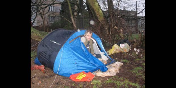 Une tent pour unique toit - La DH