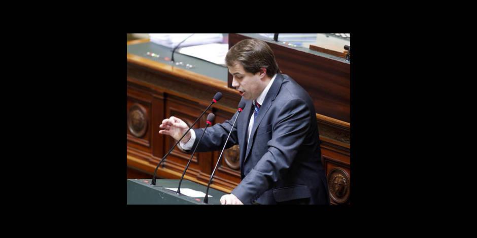 Laurent Louis dissout son parti dans l'indifférence générale