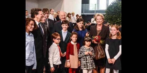 Le couple royal inaugure l'�cole europ�enne de Laeken