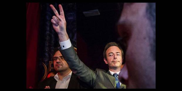 """""""De Wever reprend les méthodes de Di Rupo"""" - La DH"""