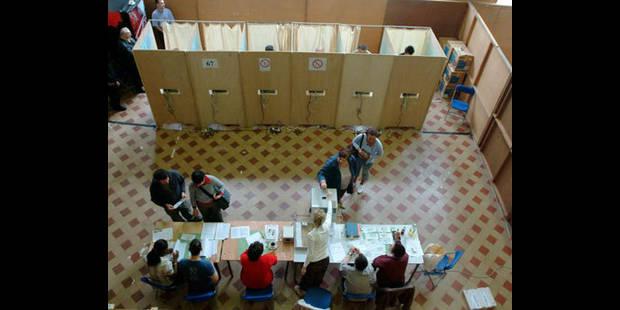 120 bureaux     de vote à monter
